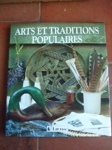 Arts et traditions populaires. Photographies de Jacqui Hurst.
